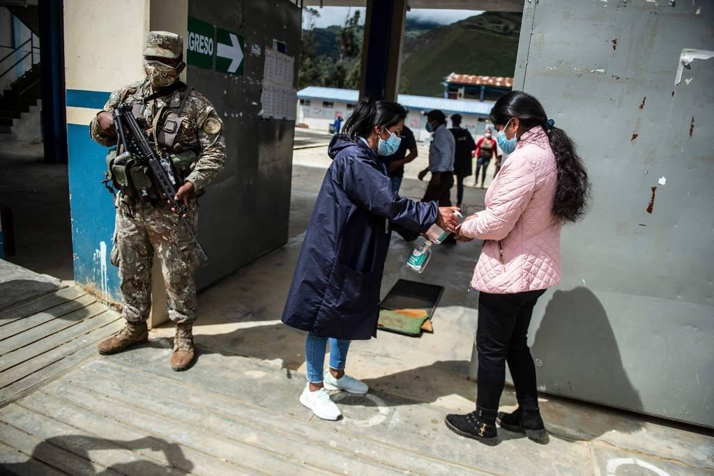 Candidatos a presidente do Peru estão empatados, mostra pesquisa boca de urna
